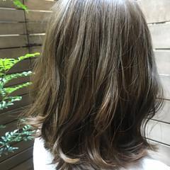 オフィス 艶髪 フェミニン 外国人風カラー ヘアスタイルや髪型の写真・画像