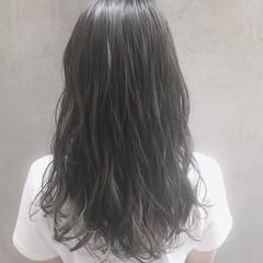 ロング 外国人風カラー オフィス ナチュラル ヘアスタイルや髪型の写真・画像