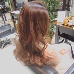 ピンク ヘアアレンジ ナチュラル ゆるふわ ヘアスタイルや髪型の写真・画像