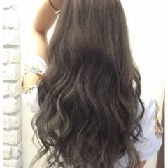 アッシュ ガーリー グレージュ グラデーションカラー ヘアスタイルや髪型の写真・画像
