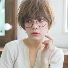 似合わせ リラックス 透明感 グレージュ ヘアスタイルや髪型の写真・画像