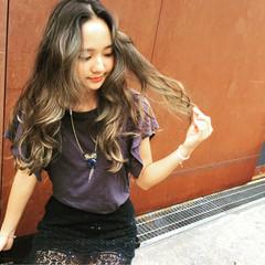 ロング ストリート 外国人風カラー アッシュ ヘアスタイルや髪型の写真・画像