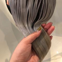 ホワイト ロング ホワイトブリーチ ホワイトシルバー ヘアスタイルや髪型の写真・画像