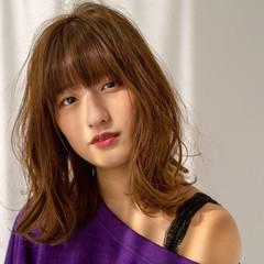 コテ巻き オシャレ ミディアム 大人かわいい ヘアスタイルや髪型の写真・画像