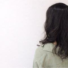 ゆるふわ ガーリー セミロング 外国人風 ヘアスタイルや髪型の写真・画像