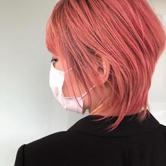 ウルフカット モード ピンクアッシュ ショートヘア ヘアスタイルや髪型の写真・画像