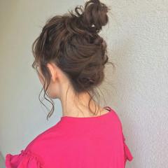 ガーリー 簡単ヘアアレンジ セミロング アウトドア ヘアスタイルや髪型の写真・画像