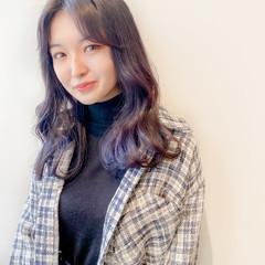 セミロング 韓国ヘア インナーカラー ラベンダーグレージュ ヘアスタイルや髪型の写真・画像