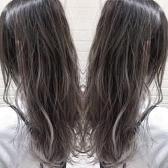 ハイライト バレイヤージュ セミロング ナチュラル ヘアスタイルや髪型の写真・画像