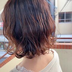 バイオレットアッシュ 切りっぱなしボブ 外ハネボブ 透明感カラー ヘアスタイルや髪型の写真・画像