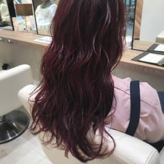 ベリーピンク ガーリー ゆるふわ ロング ヘアスタイルや髪型の写真・画像