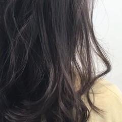 アッシュ グレージュ ロング ナチュラル ヘアスタイルや髪型の写真・画像