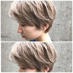 ショート ミルクティー ハイトーン ミルクティーベージュ ヘアスタイルや髪型の写真・画像