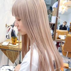 ブロンドカラー ストリート ハイライト ハイトーンカラー ヘアスタイルや髪型の写真・画像