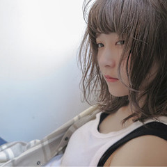 ブリーチ 外国人風 ストリート ミディアム ヘアスタイルや髪型の写真・画像
