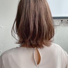 ウルフカット ボブ 切りっぱなしボブ ナチュラル ヘアスタイルや髪型の写真・画像