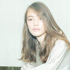 ウェーブ ラフ セミロング モード ヘアスタイルや髪型の写真・画像