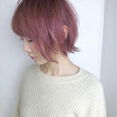 ボブ ガーリー ピンクアッシュ 切りっぱなし ヘアスタイルや髪型の写真・画像