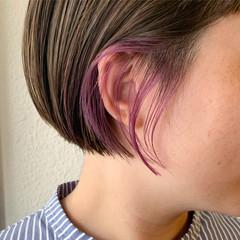 インナーカラー 切りっぱなしボブ ショートボブ ストリート ヘアスタイルや髪型の写真・画像