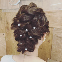 ヘアピン パールアクセ パーティ ヘアアレンジ ヘアスタイルや髪型の写真・画像