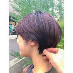 レッド 小顔 ショート ナチュラル ヘアスタイルや髪型の写真・画像