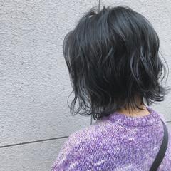 アッシュグレー 外ハネ ナチュラル ボブ ヘアスタイルや髪型の写真・画像