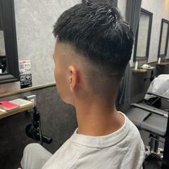 アップバング メンズパーマ ストリート ツイスパ ヘアスタイルや髪型の写真・画像