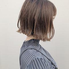 モテボブ グレージュ 切りっぱなしボブ 前下がりボブ ヘアスタイルや髪型の写真・画像