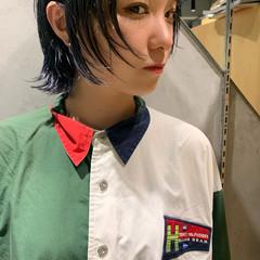 ショートボブ インナーカラー モード ウルフカット ヘアスタイルや髪型の写真・画像