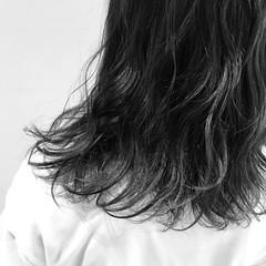 簡単 ミディアム アンニュイ 大人女子 ヘアスタイルや髪型の写真・画像