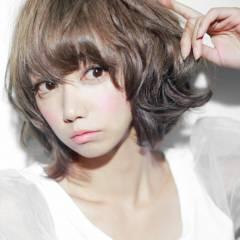 ミディアム パーマ ショート アッシュ ヘアスタイルや髪型の写真・画像