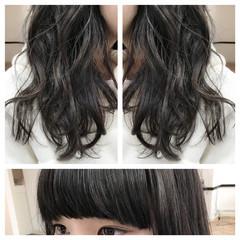 アッシュ 暗髪 セミロング ナチュラル ヘアスタイルや髪型の写真・画像