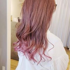 ピンクバイオレット ロング モード ゆるふわ ヘアスタイルや髪型の写真・画像