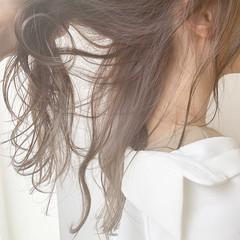インナーカラーグレージュ 可愛い インナーカラーグレー モテ髪 ヘアスタイルや髪型の写真・画像