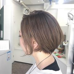 大人女子 ハイライト ショート ボブ ヘアスタイルや髪型の写真・画像
