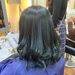 ネイビーブルー ブリーチオンカラー ブルー ミディアム ヘアスタイルや髪型の写真・画像