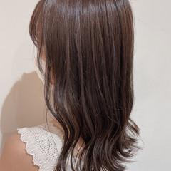 大人ハイライト ナチュラル グレージュ ミディアム ヘアスタイルや髪型の写真・画像
