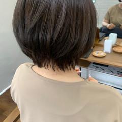 ショートボブ 大人女子 ナチュラル ブラウンベージュ ヘアスタイルや髪型の写真・画像