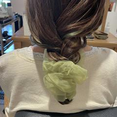 エメラルドグリーンカラー ハイライト 大人ハイライト インナーカラー ヘアスタイルや髪型の写真・画像