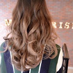 ガーリー ゆるふわ グラデーションカラー 外国人風 ヘアスタイルや髪型の写真・画像