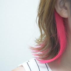 フェミニン ボブ インナーカラー 外ハネボブ ヘアスタイルや髪型の写真・画像