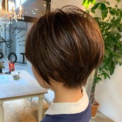 オフィス アッシュ ショート アンニュイほつれヘア ヘアスタイルや髪型の写真・画像
