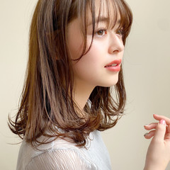 小顔 アンニュイほつれヘア ミディアム 髪質改善トリートメント ヘアスタイルや髪型の写真・画像