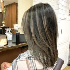 バレイヤージュ 外国人風 セミロング コンサバ ヘアスタイルや髪型の写真・画像