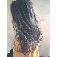 ハイライト 抜け感 透明感 グレージュ ヘアスタイルや髪型の写真・画像