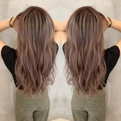 ピンクベージュ エクステ 透明感カラー ストリート ヘアスタイルや髪型の写真・画像