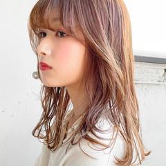 透明感カラー 韓国ヘア フェミニン セミロング ヘアスタイルや髪型の写真・画像