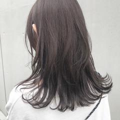 ミディアム ブルージュ グレージュ ナチュラル ヘアスタイルや髪型の写真・画像