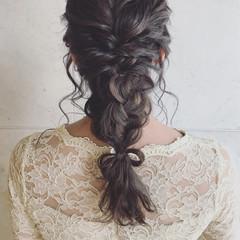 グレージュ 暗髪 ヘアアレンジ セミロング ヘアスタイルや髪型の写真・画像