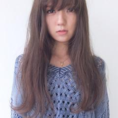 シースルーバング シアーベージュ ロング ナチュラル ヘアスタイルや髪型の写真・画像